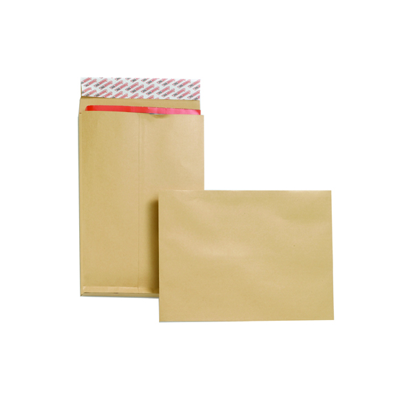 New Guardian Gusset C4 Envelopes 130gsm Manilla Peel and Seal (Pack of 25) F27666