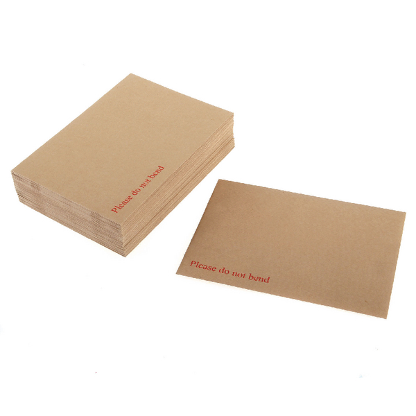 Q-Connect Board Back Envelope 444x368mm 120gsm Manilla Peel and Seal (Pack of 50) KF71467