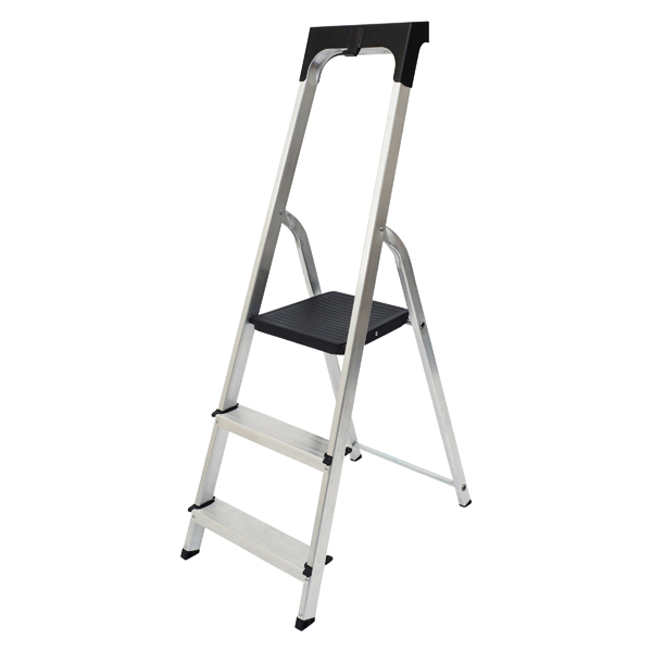 Steps Werner Promaster 3 Tread Step Ladder 7410318