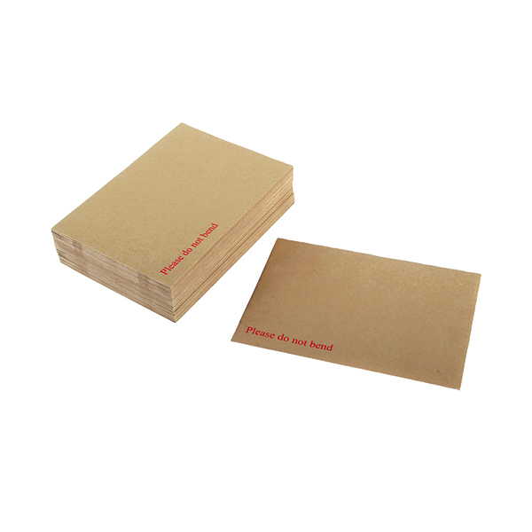 Board Back Q-Connect Envelope 238x163mm Board Back Peel and Seal 115gsm Manilla (125 Pack) KF3518