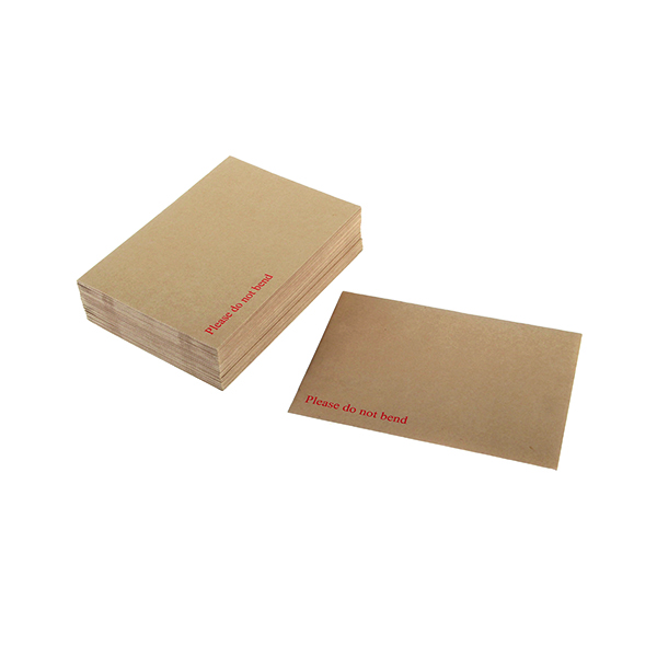 Board Back Q-Connect Envelope 318x267mm Board Back Peel and Seal 115gsm Manilla (125 Pack) 1K06