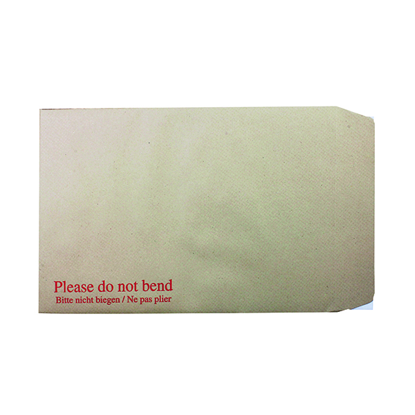 Board Back Q-Connect C4 Envelopes Board Back Peel and Seal 115gsm Manilla (125 Pack) KF3521